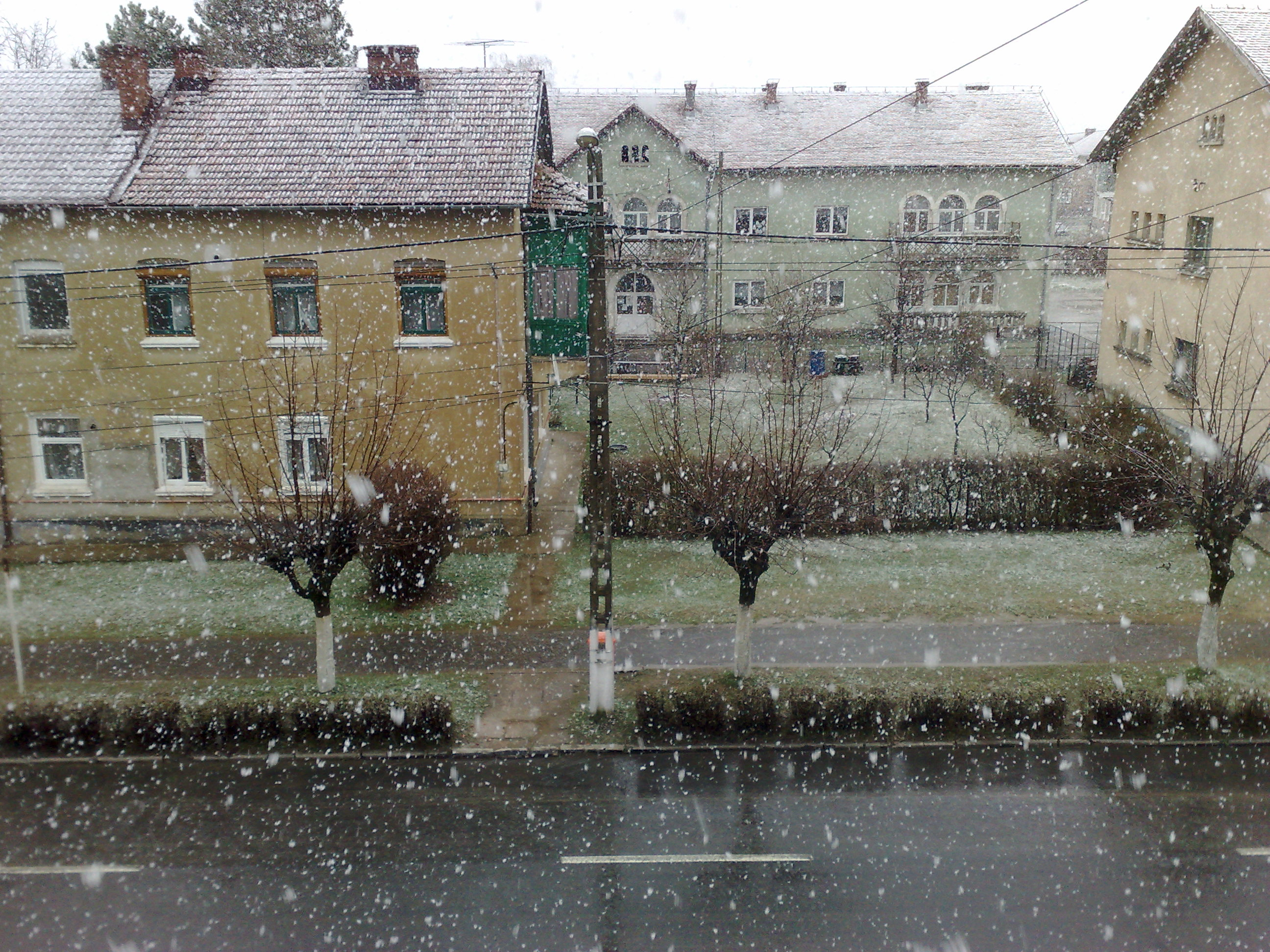 Ninsoare in aprilie - Victoria, Brasov