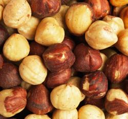 Alimente care aduc fericirea - alunele-de-padure