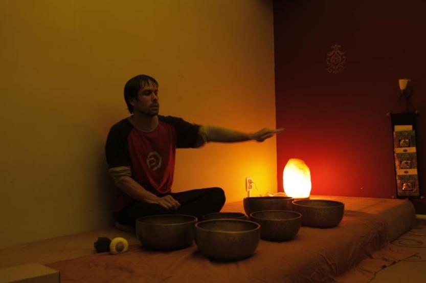 Terapia cu boluri tibetane Joel Silva